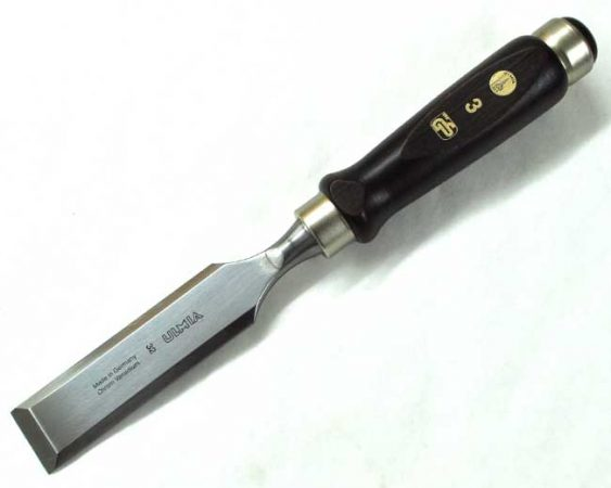"Ulmia 32mm (1 1/4"") Bevel-Edge Firmer Chisel"